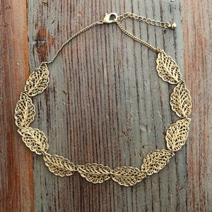 Jewelry - Gold Leaves Necklaces